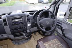 IH J220 motorhome cab