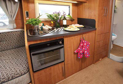 Auto-Trail Excel 670B kitchen