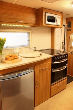 Lunar Lexon 550 kitchen