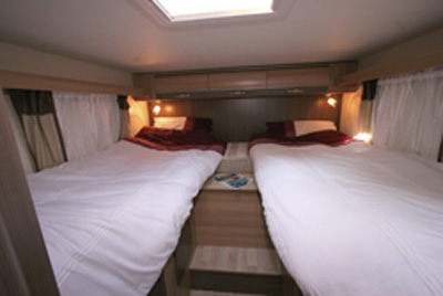 Rapido 666 motorhome bedroom