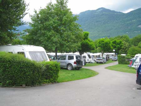 Mountain views from the pitches at Camping La Ravoire