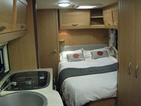 Elddis Xplore 504 Caravan Bedroom
