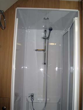 Elddis Xplore 504 Caravan Shower