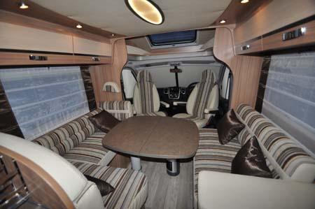 Pilote Reference P716LPR Motorhome lounge