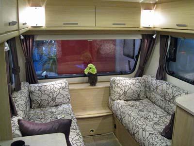 Lunar-Venus-380/2-lounge-area-Caravan-Guard