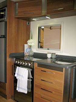 Fifth-Wheel-Inos-single-axle-kitchen-area