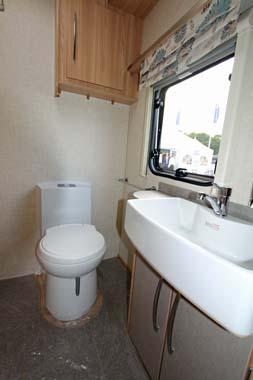 Coachman Vision 560-4 Caravan Shower room