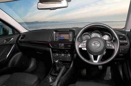 Mazda 6 2.0 165 Sport caravan tow car dash