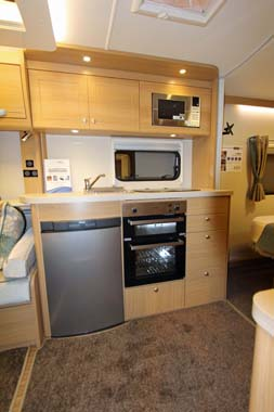 Elddis Compass Rallye 554 Kitchen (2)
