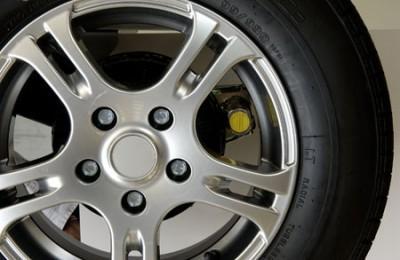 Axle wheel lock receiver