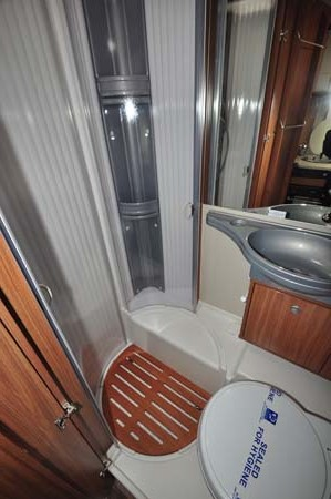 Carado T337 Motorhome Shower Room