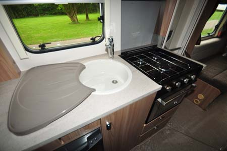 Swift Escape 696 kitchen