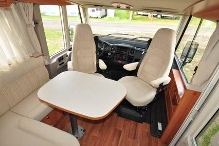 Hymer Exsisi 414 Cab Seating Dining
