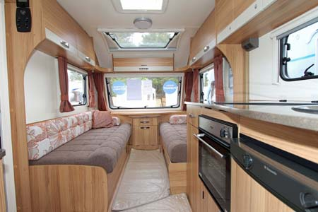 Bailey Pursuit 530-4 - Interior looking forward