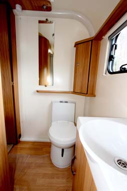 Bailey Pursuit 530-4 - Washroom 2