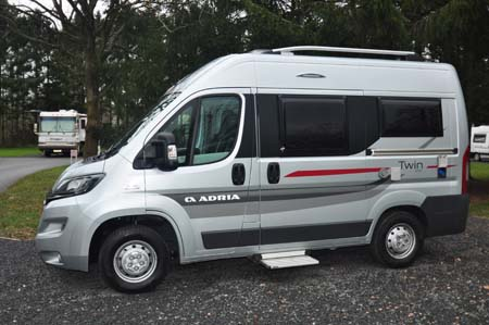 Adria Twin 500 S Exterior