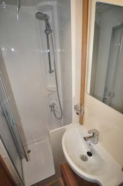 Lunar Lexon 590 Washroom