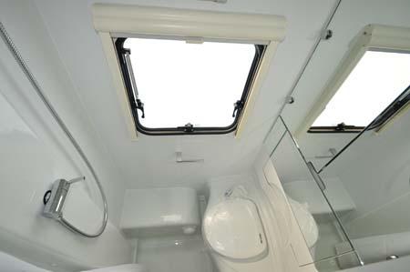 Adria Altea Eden 472DS Washroom