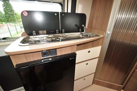 Rapido Dreamer D42 kitchen