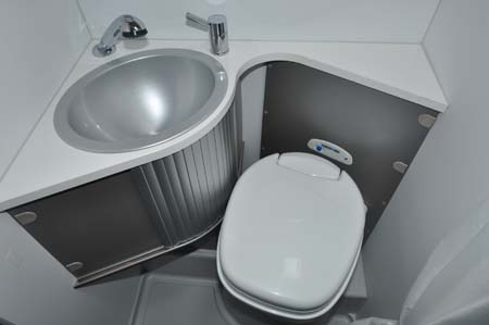Adria Twin 540 washroom