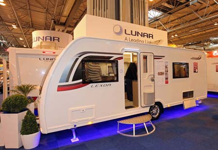 Lunar Lexon 570 Exterior