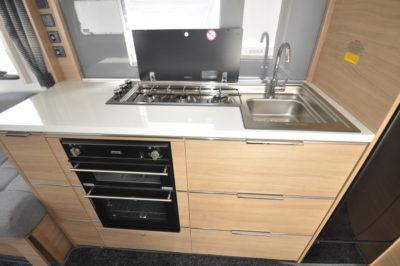 Adria Adora 432 DT Loire Kitchen