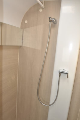 Adria Adora 432 DT Loire Shower