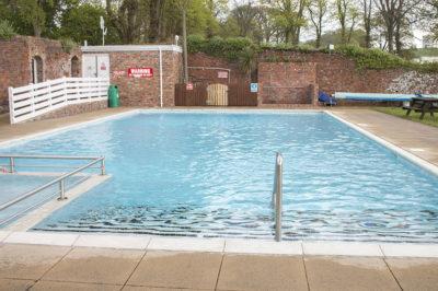 Coed Helen pool