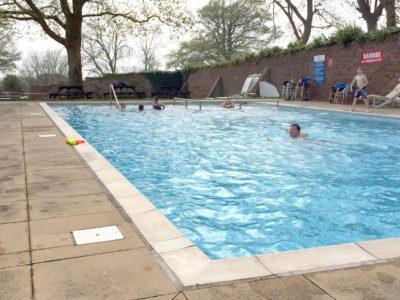 swimming pool Coed Helen