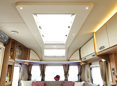 Lunar Alaria RI Caravan skyview and sunroof