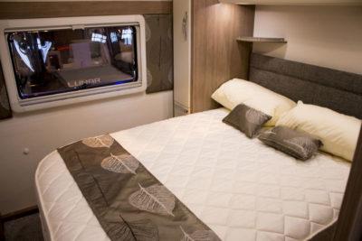 Lunar Alaria RI Caravan double bed