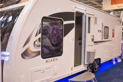 Lunar Alaria RI Caravan