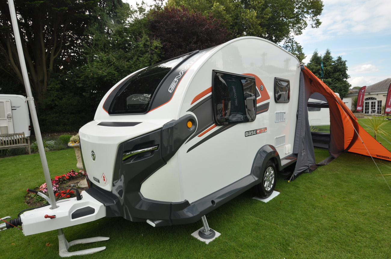 2017 swift basecamp crossover caravan review - caravan guard