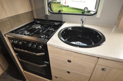 Elddis Avante 840 kitchen