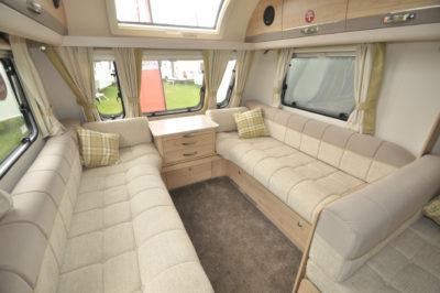 Elddis Avante 840 lounge