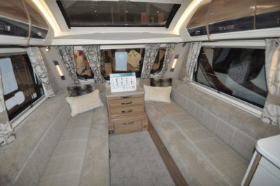 Swift Elegance 650 Lounge