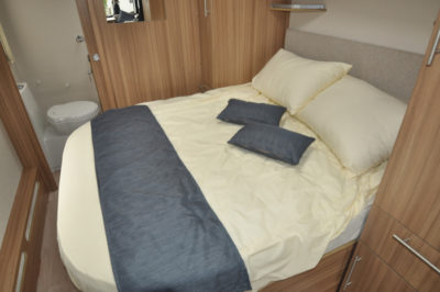Lunar Quasar 674 Double Bed