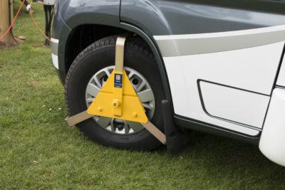 Motorhome security _ wheel lock