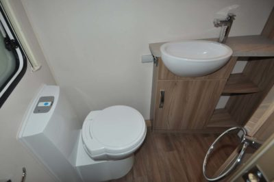 Sprite Quattro EW WC and washbasin