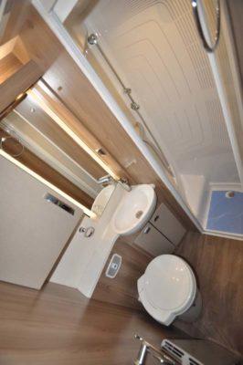 Swift Kon-Tiki 649 Shower room