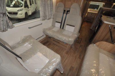 Swift Kon-Tiki 649 Travel seats