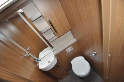 Auto Trail Comanche S washroom