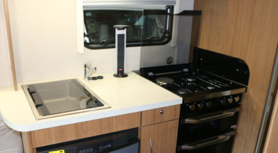 Imala 732 kitchen hob and plug tidy